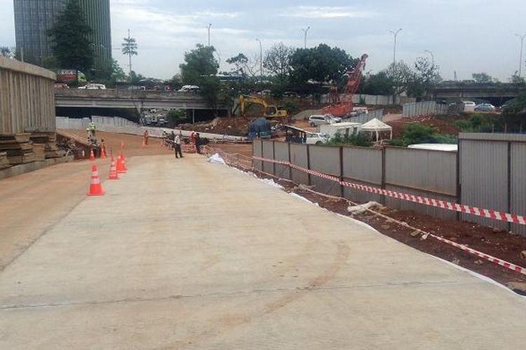 Pembangunan jalan Tol Antasari-Depok di Cilandak. Gambar diambil Kamis (4/2/2016).