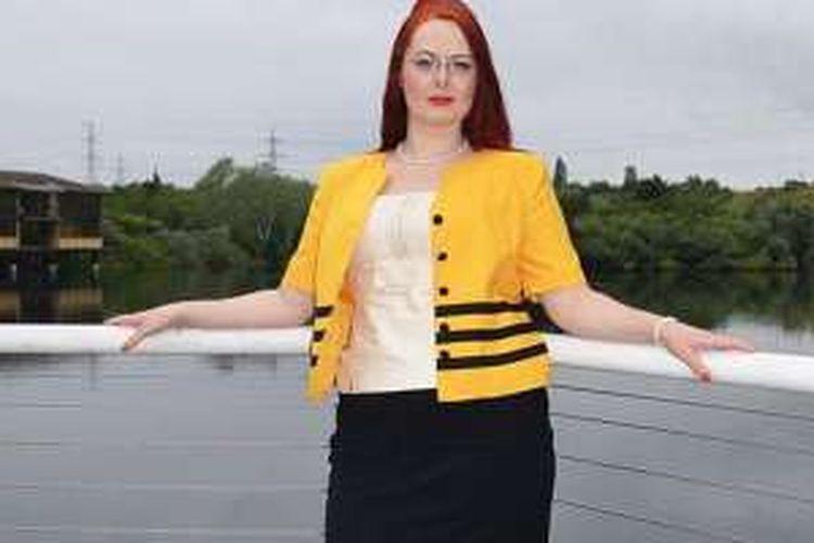 Ella Vine (31), berhasil membalikan kehidupan penuh nestapa menjadi sukses.