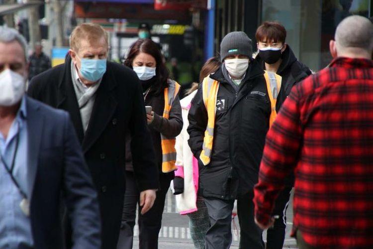 Warga di Melbourne harus mengenakan masker ketika keluar rumah untuk mencegah semakin banyaknya kasus baru Covid-19.