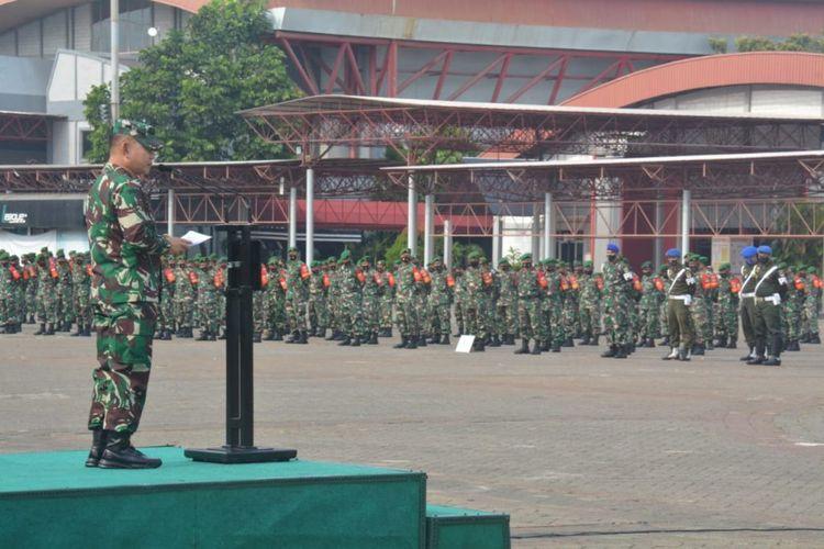 Pangdam Jaya Mayjen TNI Dudung Aburachman memimpin gelar apel pendukung penegakkan disiplin protokol kesehatan Covid-19 di wilayah Jalarta, Depok, Tangerang, dan Bekasi (Jadetabek), di Jiexpo Kemayoran, Jakarta Pusat, Senin (14/9/2020).
