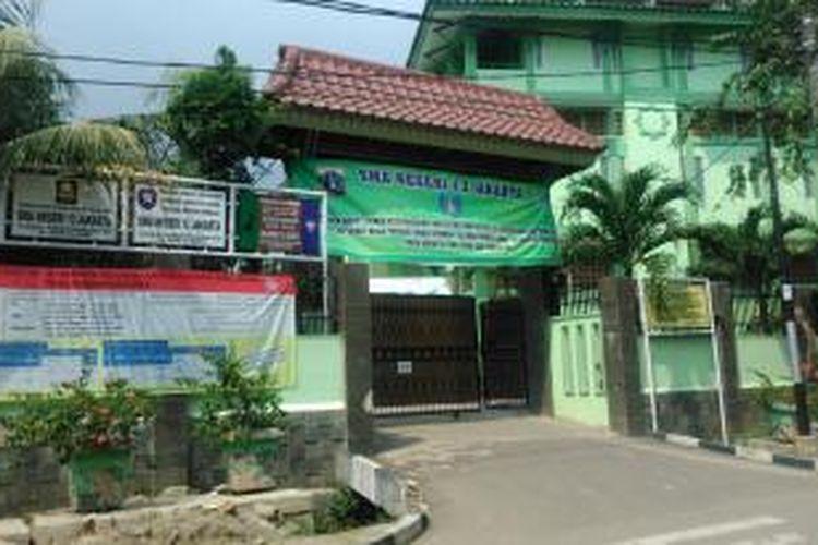 SMA Negeri 13, Jalan Seroja, Rawa Badak Utara, Jakarta Utara.