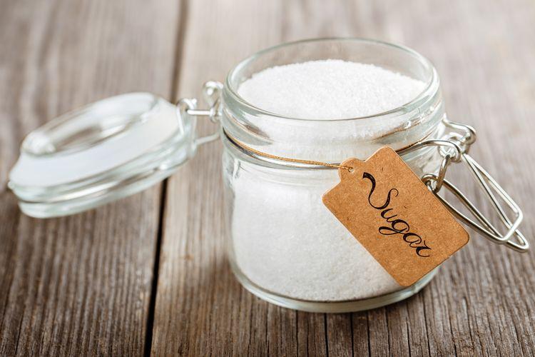 Ilustrasi gula di dalam stoples.