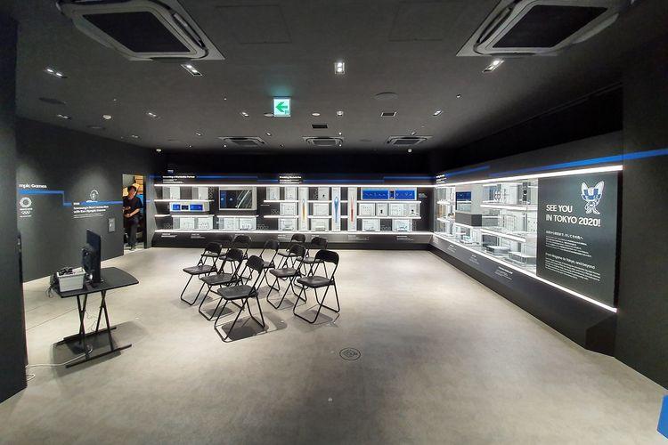 Toko Samsung ini juga dilengkapi dengan ruangan untuk training sejumlah karyawan.