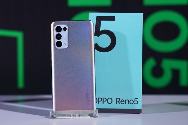Oppo Reno5 varian Fantasy Silver