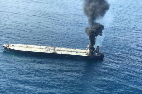 Hindari Minyak Tumpah Angkatan Laut Sri Langka Segera Amankan Kapal yang Terbakar
