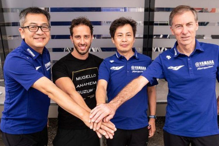 Andrea Dovizioso dan para petinggi Yamaha