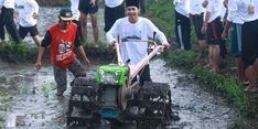 Gunakan Hand Traktor, Petani Aceh Selatan Olah Tanah dengan Cepat