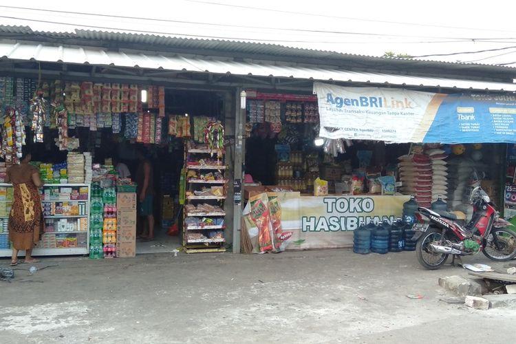 lokasi pampokan warung di kawasan Ciracas, Jakarta Timur, Selasa (4/8/2020).