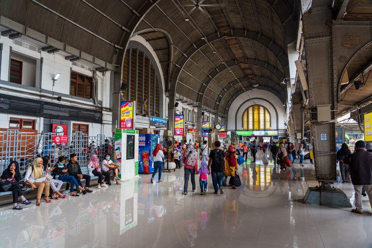 Ilustrasi stasiun kereta di Jakarta.