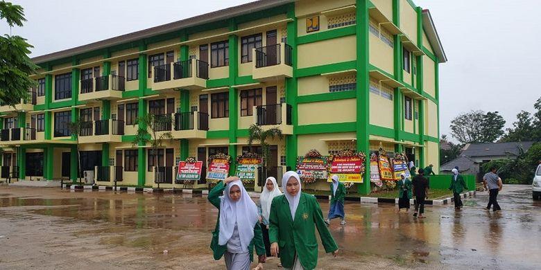 Rumah susun sewa (Rusunawa) Institut Ilmu Al Quran (IIQ) di Jalan Mohammad Toha No. 31 Pamulang Timur,  Pamulang, Tangerang Selatan, Banten Kamis (5/3/2020).