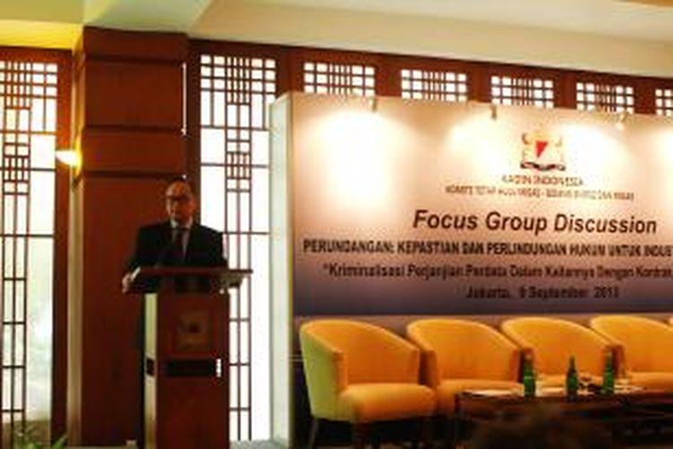 Ketua Umum Kamar Dagang dan Industri (Kadin) Indonesia, Suryo Bambang Sulisto, memberikan sambutan dalam forum group discussion