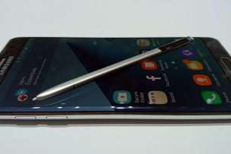 Samsung Galaxy Note 7 dengan Stylus SPen.