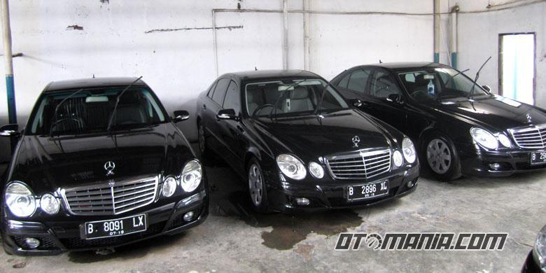 Mercedes Benz bekas taksi yang dijual.