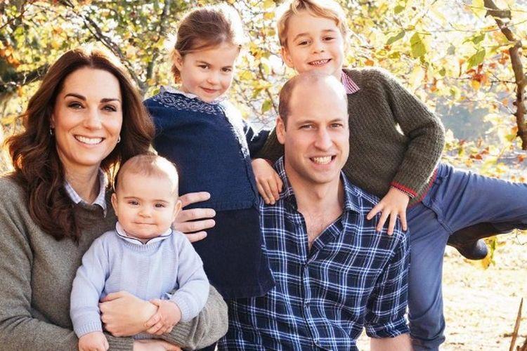 Pangeran William dan Kate Middleton bersama ketiga anaknya, Pangeran George, Putri Charlotte dan Pangeran Louis.
