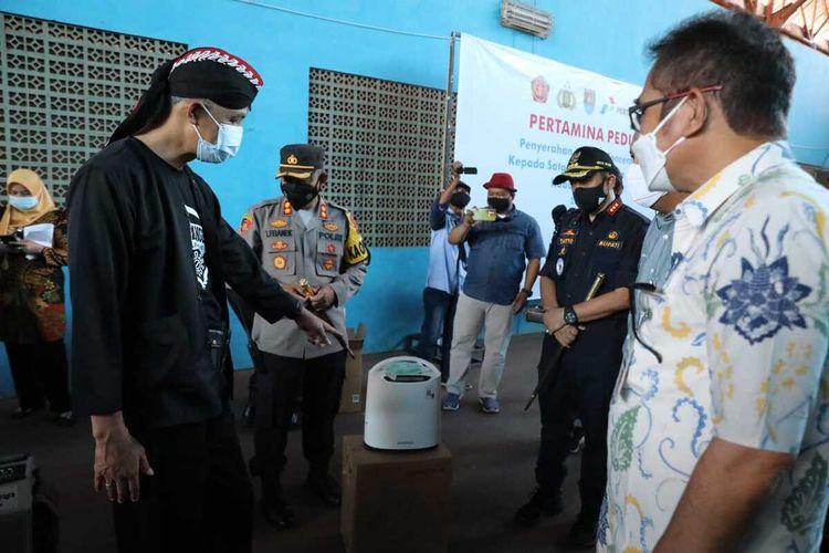 Gubernur Jateng Ganjar Pranowo memantau vaksinasi Covid-19 di Kabupaten Cilacap, Kamis(22/7/2021).