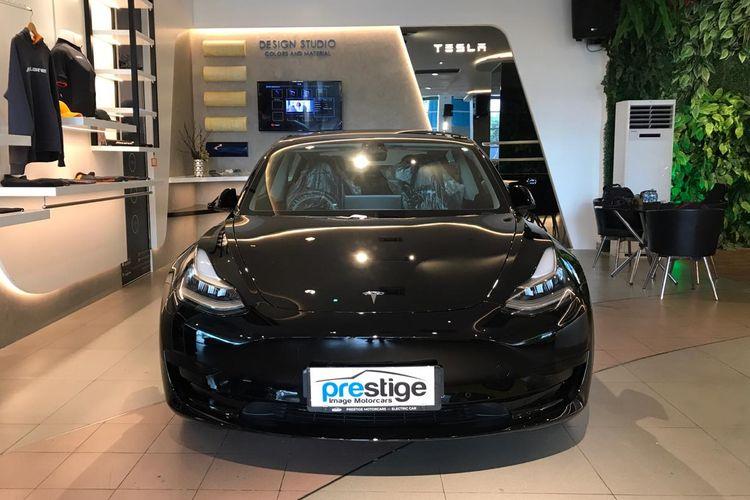 First Impression Tesla Model 3