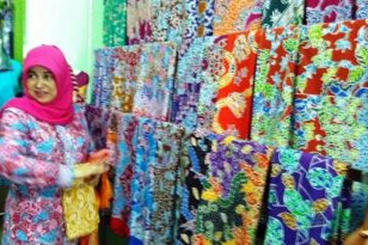 Salah satu pengrajin batik di Jember, Jawa Timur, Iriane Hairini Megahwati, mengaku, melakukan sejumlah terobosan agar produknya bisa bersaing seiring dengan pemberlakuan Masyarakat Ekonomi Asean (MEA).