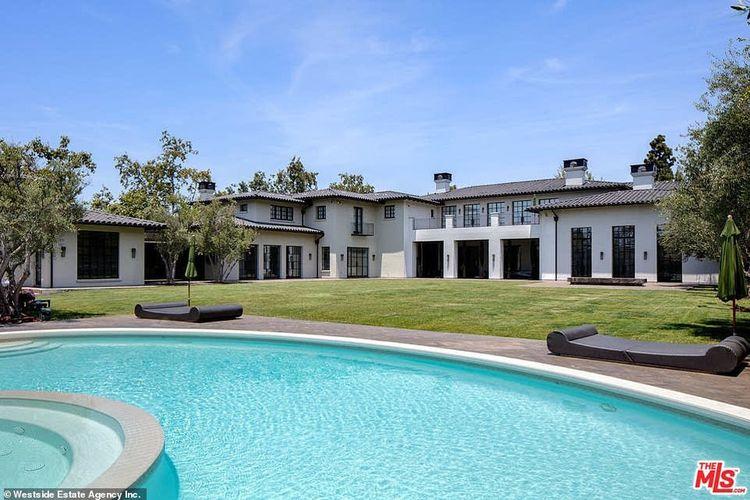 Salah satu bagian dari rumah mewah bernama  Il Magione yang diburu Jennifer Lopez di Los Angeles, Amerika Serikat.