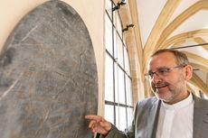 Museum di Jerman Klaim Temukan Batu Nisan Makam Putri Salju yang