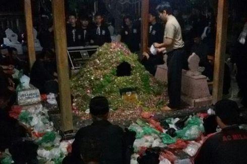Malam Satu Suro, Makam Sesepuh Perguruan Silat di Madiun Dipadati Peziarah