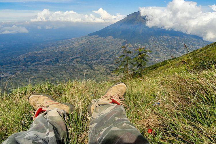 Jalur pendakian Gunung Sindoro via Bansari.