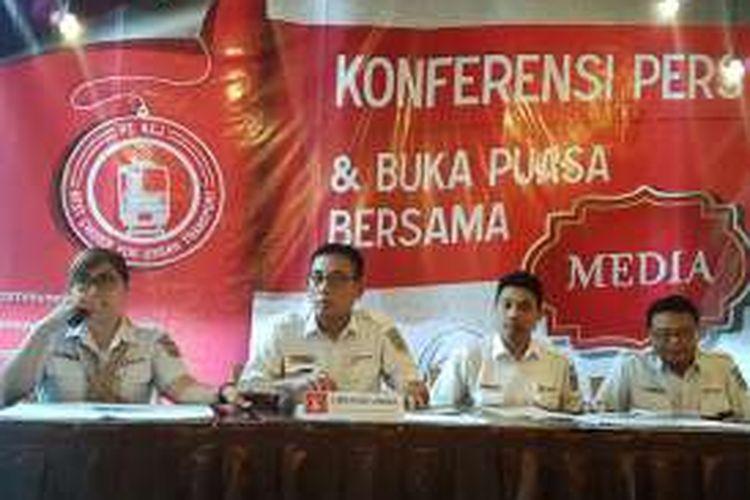 Kedua dari kiri, Direktur Utama PT KCJ, Muhammad Nurul Fadhila di Jakarta Pusat, Jumat (24/6/2016).
