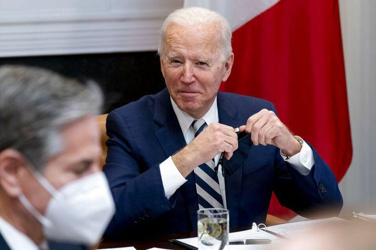 Presiden Joe Biden mengadakan pertemuan virtual dengan Presiden Meksiko Andres Manuel Lopez Obrador di Ruang Roosevelt Gedung Putih, Senin, (1/3/2021).