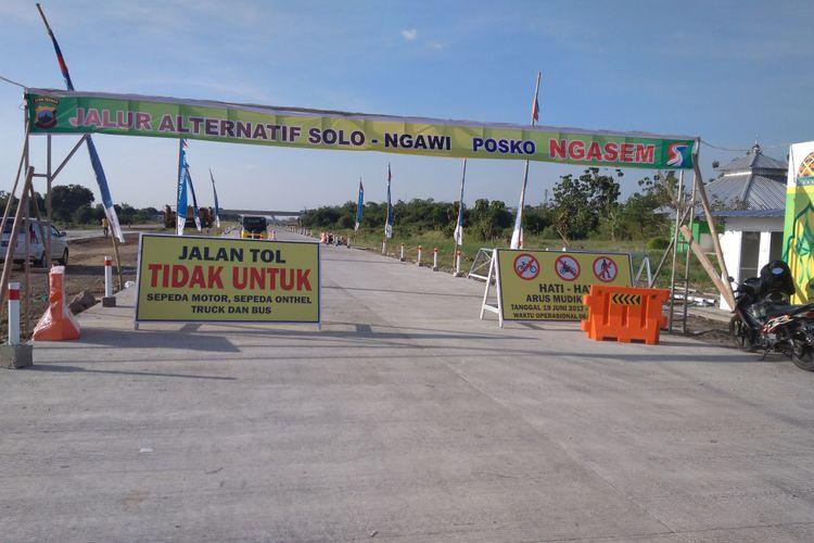 Pintu Tol Solo Ngawi di Desa Ngasem, Boyolali, Minggu (18/6/2017)