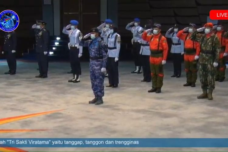 Upacara HUT ke-74 TNI Angkatan Udara di Auditorium Mabesau Cilangkap, Jakarta, Kamis (9/4/2020).