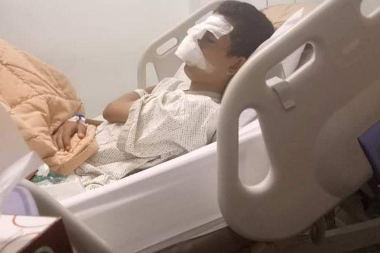 Siswa SMP yang menjadi korban bully dirawat di rumah sakit di Pekanbaru, Riau, Kamis (7/11/2019).