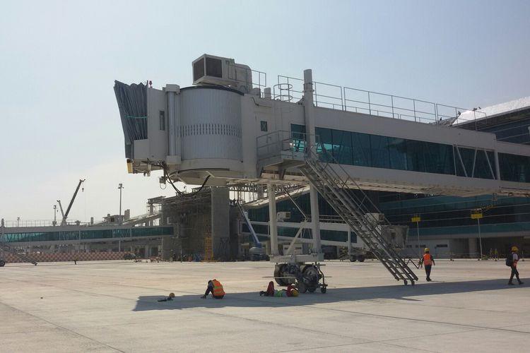 Garbarata di Bandara Internasional Yogyakarta di Kecamatan Temon, Kulon Progo, Daerah Istimewa Yogyakarta, yang tampak sudah siap beroperasi.