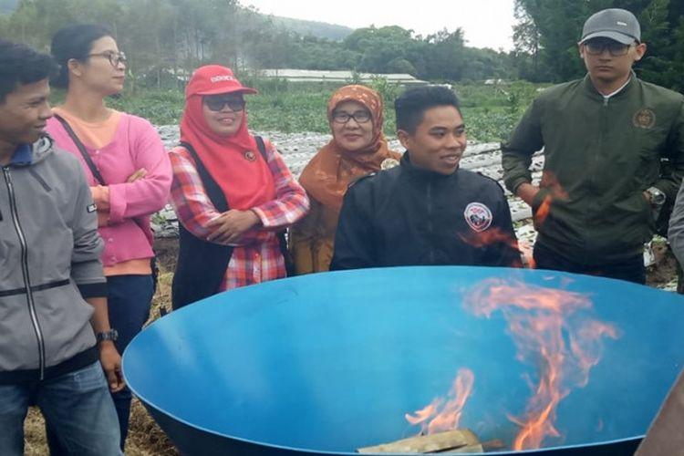 Fakultas Pertanian UGM membentuk konsorsium dengan Universitas Syah Kuala, Universitas Andalas, Universitas Udayana dan Universitas Gent, Belgia melaksanakan penelitian bersama pemanfaatan bambu sebagai bahan baku biochar.