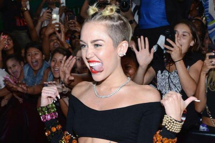 Miley Cyrus hadir dalam pergelaran MTV Video Music Awards 2013 di Barclays Center, Brooklyn, New York City, AS, 25 Agustus 2013.