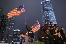 Trump Tanda Tangani UU HAM dan Demokrasi Hong Kong, Demonstran Kibarkan Bendera AS