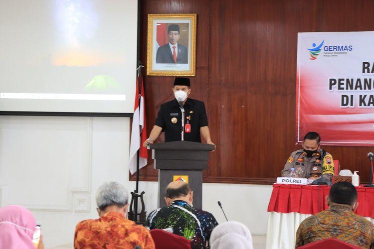 Bupati Wonogiri Joko Sutopo memberikan arahan pada rapat koordinasi penanggulangan Covid-19, Kamis (10/12/2020).