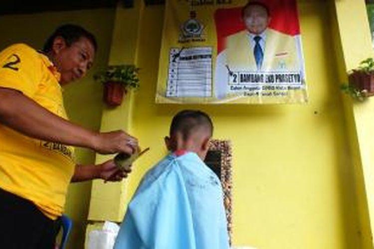 Ilustrasi: Tukang potong rambut.