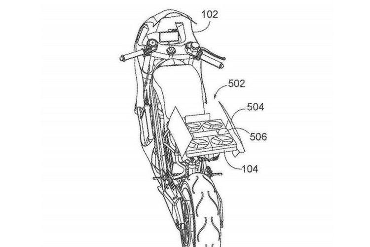 Gambar paten motor Honda dengan drone di bagian belakang.