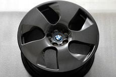 BMW Siapkan Pelek Serat Karbon
