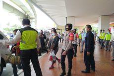 Tiba di Bandara Soekarno-Hatta, Keluarga Korban Sriwijaya Air SJ 182 Langsung Menuju RS Polri