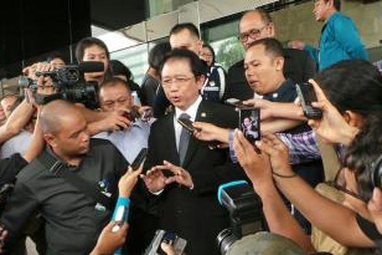Ketua Dewan Perwakilan Rakyat Marzuki Alie memenuhi panggilan Komisi Pemberantasan Korupsi untuk diperiksa sebagai saksi dalam kasus dugaan penerimaan gratifikasi proyek Hambalang, Selasa (22/10/2013).