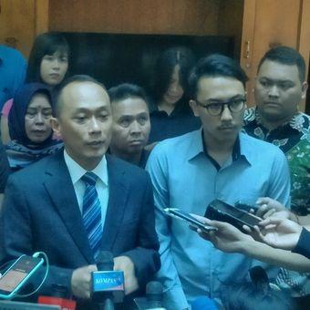 Direktur Jenderal Dinas Kependudukan dan Pencatatan Sipil (Dukcapil) Kementerian Dalam Negeri Zudan Arif Fakrulloh saat memberikan keterangan seusai bertemu pemilik akun Twitter @Hendralm, di Pusdiklat Kepemimpinan LAN RI, Pejompongan, Jakarta Pusat, Kamis (1/8/2019).