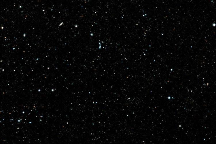 Foto keluarga terbaru alam semesta berisi lebih dari 265 ribu galaksi. Foto ini diambil dari data teleskop Hubble.
