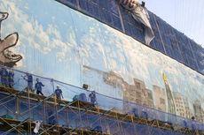 50 Seniman Mural Lukisi Kanvas Raksasa dalam 15 Menit