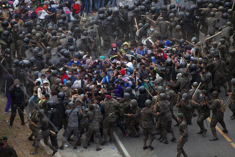 Otoritas Guatemala memperkirakan sebanyak 9.000 migran Honduras menyeberang ke Guatemala membentuk karavan baru untuk mencapai perbatasan AS.