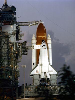Challenger STS-7 meluncur
