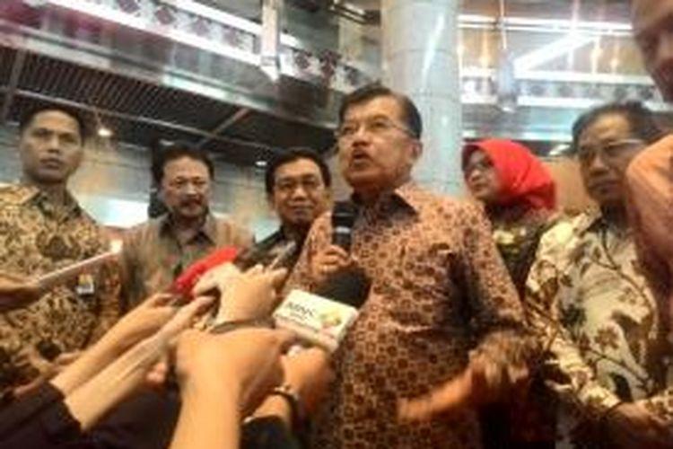 Wakil Presiden Jusuf Kalla di Bursa Efek Indonesia  (BEI), Jakarta, Rabu (30/12/2015)