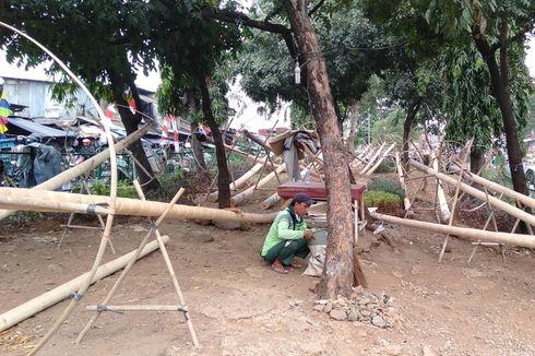 Jelang 17 Agustus, Pedagang Batang Pohon Pinang Belum Balik Modal