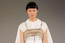 Kreasi Ramah Lingkungan Nila Baharuddin di London Fashion Week