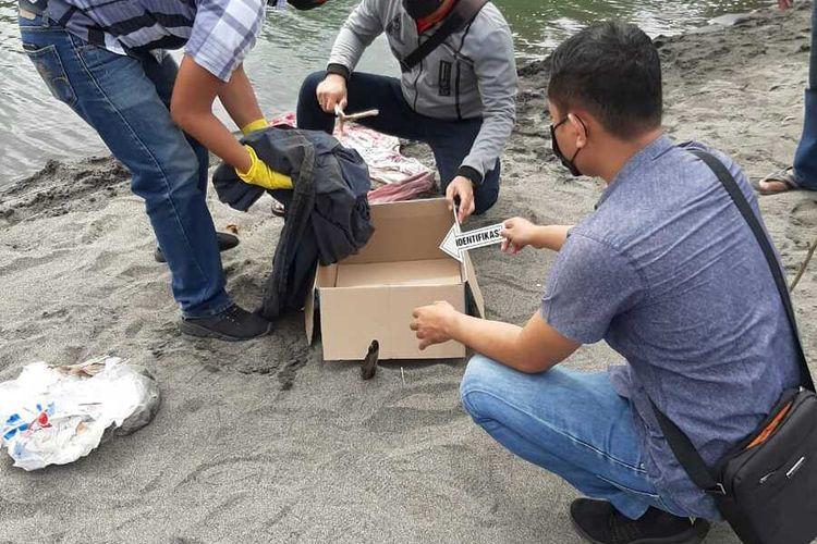 Lokasi penemuan mayat bayi laki-laki lengkap dengan ari-ari di muara sungai Desa Meninting, Batu Layar, Lombok Barat, NTB.