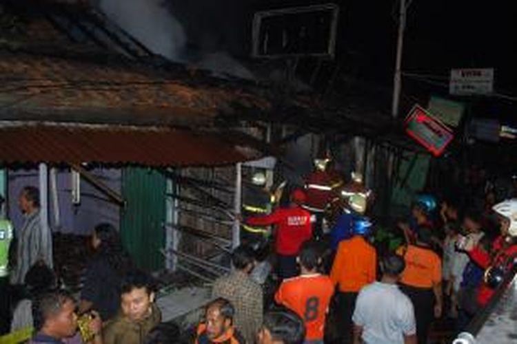 Kebakaran di Pasar Sore Kaliwungu Kendal. Kompas.Com/slamet Priyatin